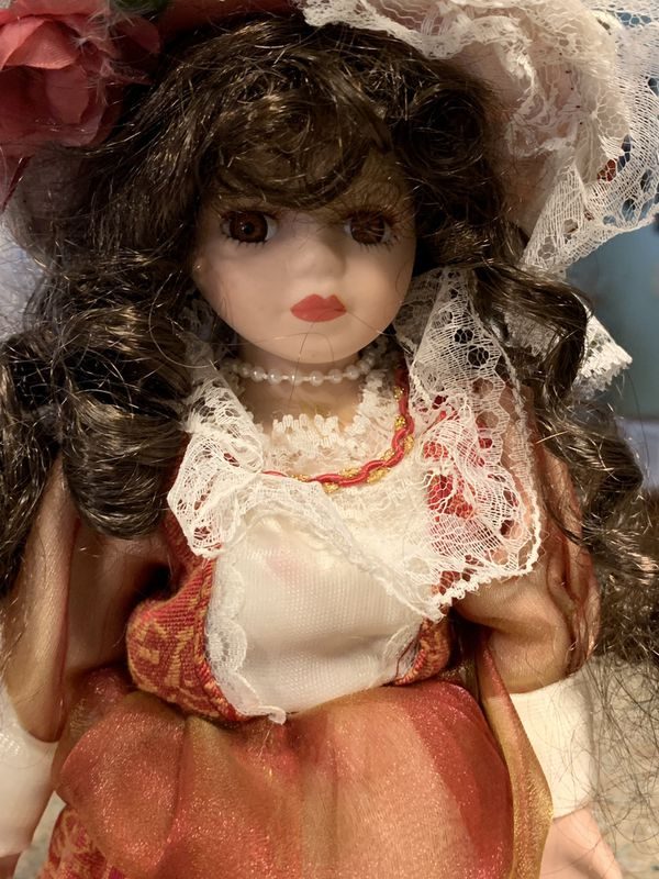 FREE Golden Keepsakes dolls,