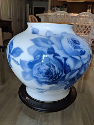 Okura Blue Rose Japanese Vase Collectible for Sale in San Diego, CA
