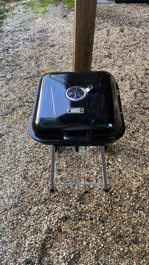 17.5″ Portable Camping Charcoal Grill with cover, grill basket and BBQ tools for Sale in Vienna, VA