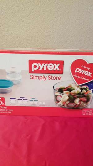 16 PC PYREX GLASS STORAGE CONTAINERS for Sale in Harlingen, TX