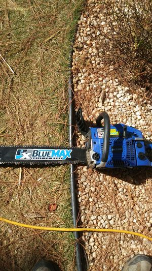 Blue Max chainsaw with 20 inch bar for Sale in Moneta, VA