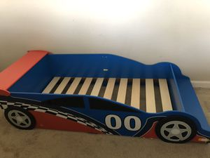 Race Car Toddler bed for Sale in Visalia, CA