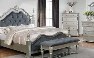 Sterling Silver Mirrored Poster Bedroom Set for Sale in Reisterstown,  MD