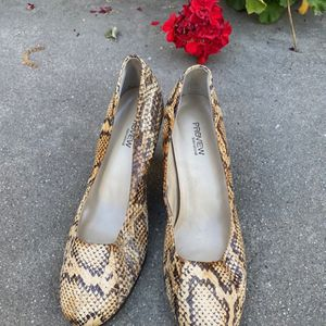 Preview International reptile print high heels. Size 8. Good condition. for Sale in La Verne, CA