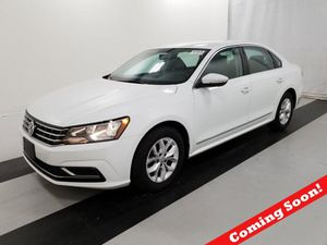 2017 Volkswagen Passat for Sale in Bedford, OH