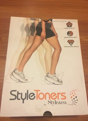 Style toners athletic shoes for Sale in Modesto, CA