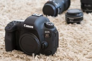 Canon 6DMII for Sale in Milford, CT