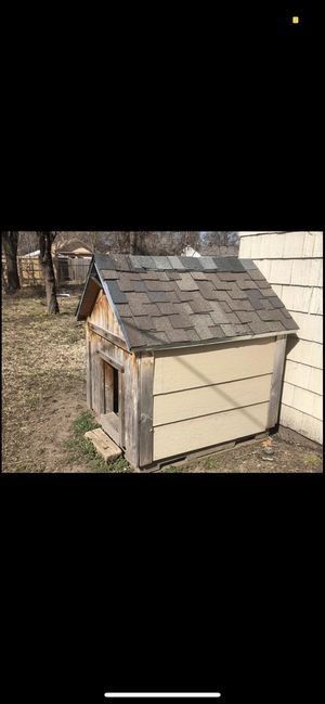 Dog house good condition.!! for Sale in Wichita, KS