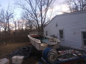 19 foot project boat with clean title for Sale in Bowie, MD