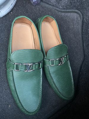 100% original Louis Vuitton shoes for men size 9.5 for Sale in National City, CA