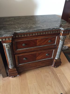 Wooden Dresser for Sale in Chicago, IL