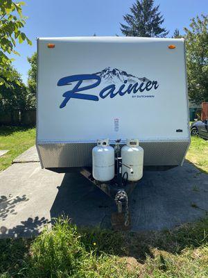 2006 Rainier travel trailer with slide for Sale in Everett, WA