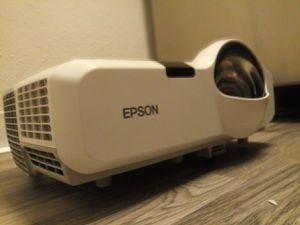 Epson lcd projector with hdmi input for Sale in Renton, WA
