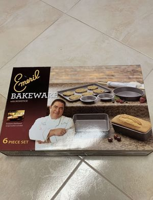 Brand-new Emeril Bakeware 6 Piece Set for Sale in Staten Island, NY