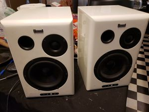 Bluetooth speaker 60 watts each for Sale in Pickens, SC