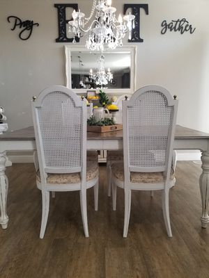 Wicker chairs set of 4 white distressed farmhouse shabby chic for Sale in Valley Center, CA