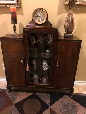 Unique Antique entry table for Sale in Beaumont, CA