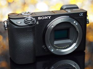 Sony a6300 4K camera photo/video for Sale in Los Angeles, CA