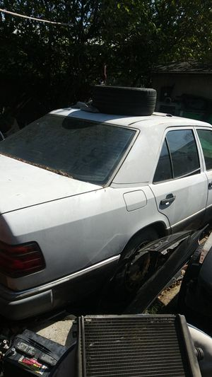 Mercedes Benz for parts 300d 93 for Sale in Colton, CA