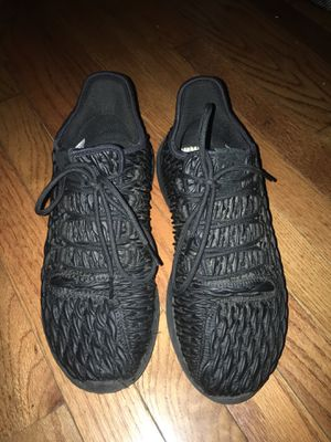 Adidas shoes size 9 for Sale in Hyattsville, MD