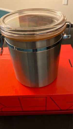 Lock in seal metal Container for Sale in Heathrow, FL