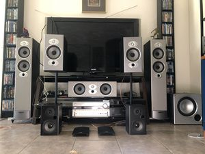 Home Theater System, Onkyo TX-SR 805 Receiver w/ Bluetooth & 8 High Quality Polk Audio Speakers for Sale in Glendale, AZ