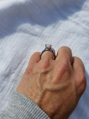 Gorgeous 1.8k wg filled wedding ring! Sparkle is amazing! for Sale in Richland, WA