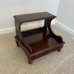 """Step Up Wooden 18""""x16""""x16"""" for Sale in Duluth, GA"""