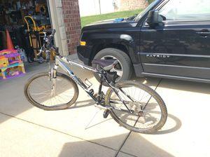 Schwinn men's mountain bike for Sale in Pevely, MO
