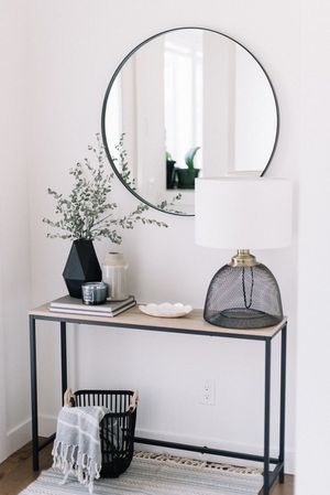 Console Table for Sale in Altamonte Springs, FL