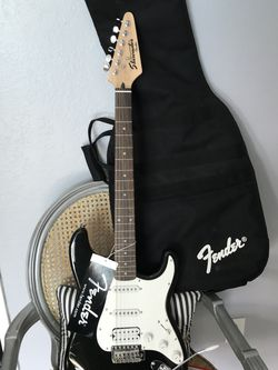 New Fender Player Starcaster Guitar - -with tuner / pick / extra strings / book/ bag with crossbody strap for Sale in Fresno,  CA