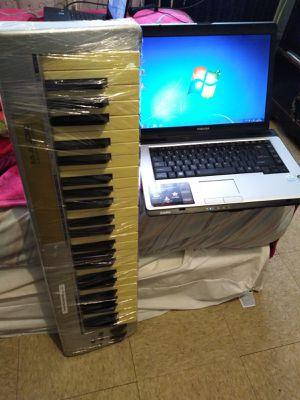 Keyboard (USB) + Laptop for Sale in Atlantic City, NJ