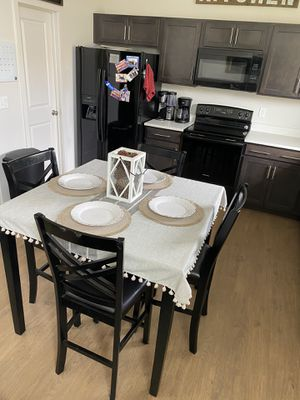 5 piece Dining set for Sale in Lehi, UT