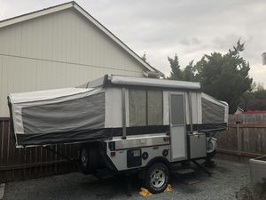 2010 Coleman E1 pop-up trailer for Sale in Buckley, WA