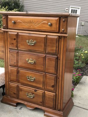 Solid Wood Tall Dresser with 5 Drawers. Very good. Door Delivery available. Hablar espanol for Sale in Raleigh, NC