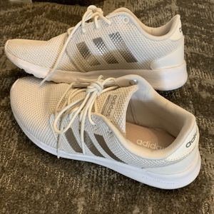 Adidas women sneaker for Sale in Downey, CA