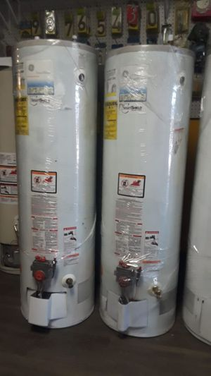Best price today water heater for 320 whit installation included for Sale in Phelan, CA