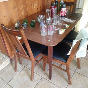 Kitchen Table with chairs for Sale in Lake Mary, FL