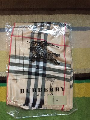 Burberry cashmere scarf for Sale in Williamsburg, MI