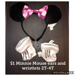 $1 Mickey mouse ears and wristlets size toddler 2-4T. Halloween Costume. Pickup around Harlem and Addison Chicago Willing to Ship for Sale in Chicago, IL