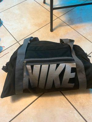 Nike duffle bag for Sale in Hialeah, FL