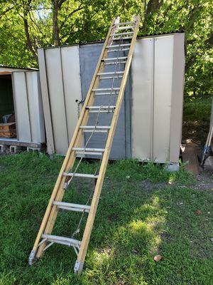 24' Fiberglass Ladder for Sale in San Antonio, TX