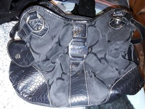 Nice black purse for Sale in Worcester, MA