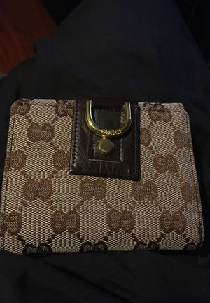 Brown Gucci wallet for Sale in Carrollton, TX