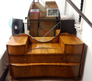 1958 (Stamped) Antique Vanity w/Mirror for Sale in Glendale, CA