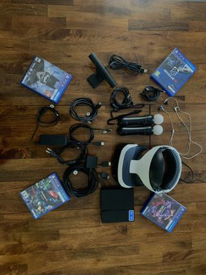 PlayStation 4 Vr bundle. 4 games including demo disc & camera with stand & 2 motion controllers w/ chargers & vr headphones (All cables and chargers for Sale in West Windsor Township, NJ