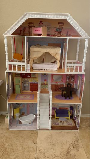 Melissa and Doug dollhouse for Sale in Phoenix, AZ