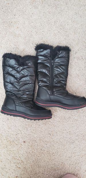 Kids Size 3 Snow Boots for Sale in San Antonio, TX