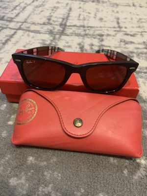 Ray Ban Limited Edition Wayfarer for Sale in Brooklyn, NY