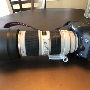 Canon EOS 7D Mark II with Canon Zoom Lens 70-200 for Sale in Penngrove, CA